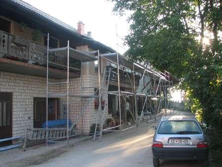 Postavljanje fasadnega odra