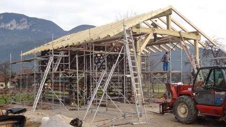 prekrivanje strehe, postavljanje ostrešja, prestavitev kozolca, kozolec
