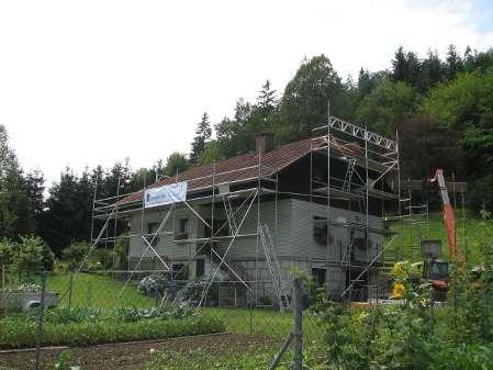 Varno delo na strehi s fasadnim odrom