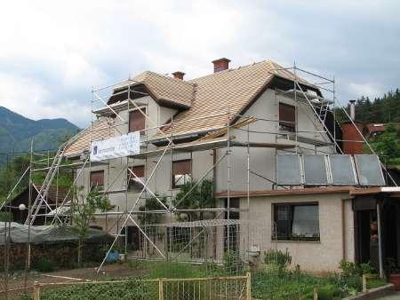 Tudi pod čopi postavimo fasadni oder
